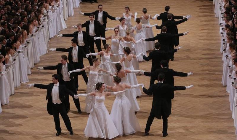 Бал школы танцев Эльмайер / Elmayer-Kränzchen Ballprobentermine