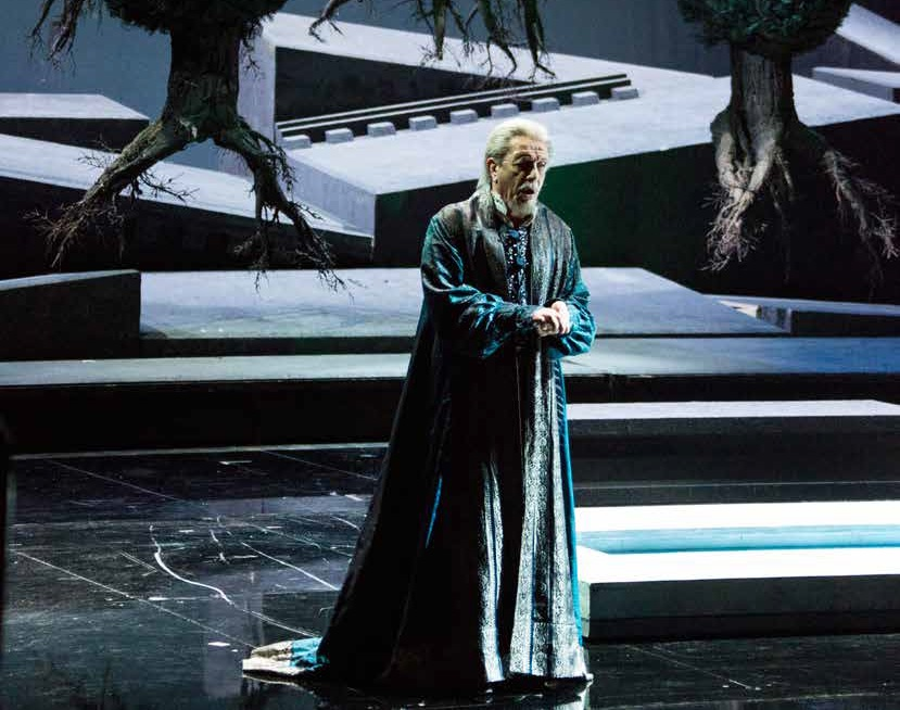 Лео Нуччи в заглавной партии оперы. Фото: Brescia e Amisano / Teatro alla Scala