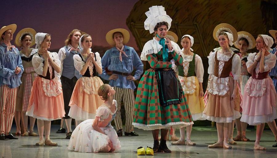 Николай Цискаридзе в балете «Тщетная предосторожность» в Михайловском театре