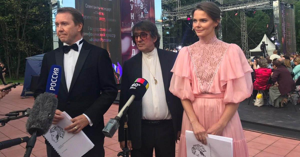 Евгений Миронов, Елизавета Боярская и Юрий Башмет в спектакле-концерте «Онегин. Лирические отступления»