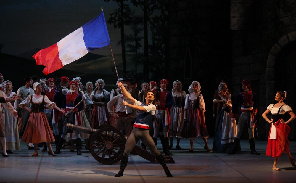 Балет Пламя Парижа - Михайловский театр