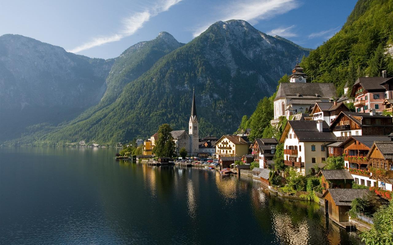 Австрия работы графенег стоимость часы продать amst как часы