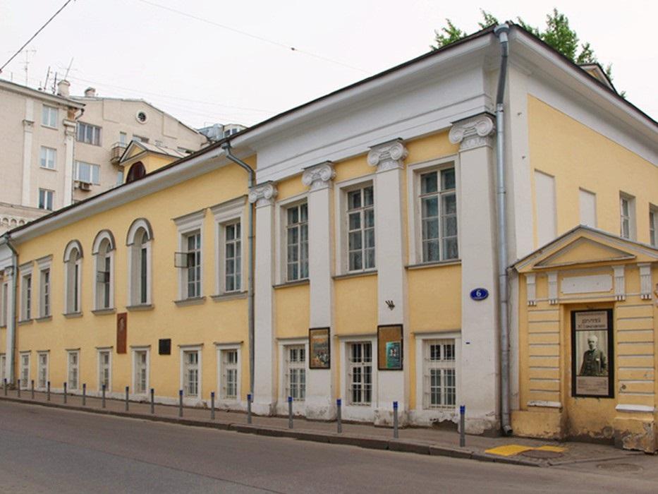 Дом, где жил и работал последние годы К.С.Станиславский