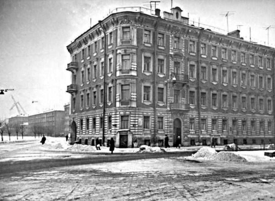 Доходный дом на Офицерской (Декабристов) улице. Музей-квартира А.А. Блока