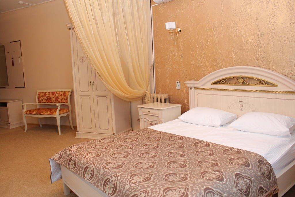 Версаль Отель 4*