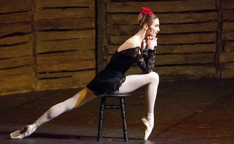 Светлана Захарова в балете Кармен-сюита